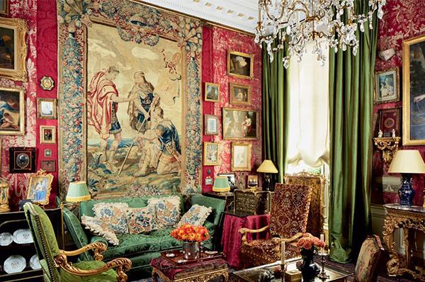 Interiors & Design/Art and Antiques